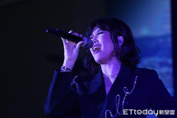 ▲A-Lin一連演唱6首歌。(圖/記者徐文彬攝)